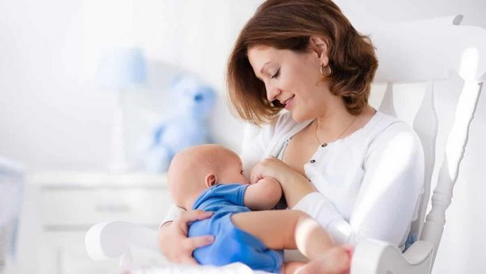 Önemli olan anne sütünün olması