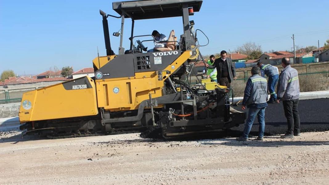 Deforme olmuş yollarda sıcak asfalt çalışması