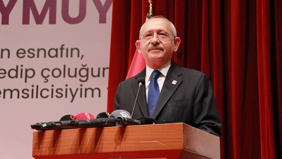Türkiye genelinde baktığımızda bir esnaf bakanlığının kesinlikle kurulması lazım. Bunu her yerde söyledim, kesinlikle kurulması lazım. Sanayi bakanlığı, turizm bakanlığı var. Esnaf bakanlığı niye yok?
