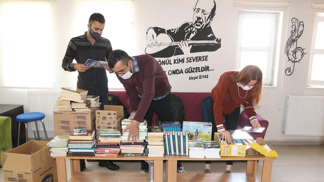 Sırtımdaki kütüphane projesiyle 6 bin 200 öğrenciye ulaşıldı