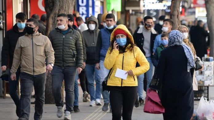 Maske yüz felci riskini azaltıyor