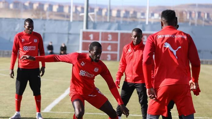 Sivasspor trabzonspor maçının hazırlıklarını tamamladı