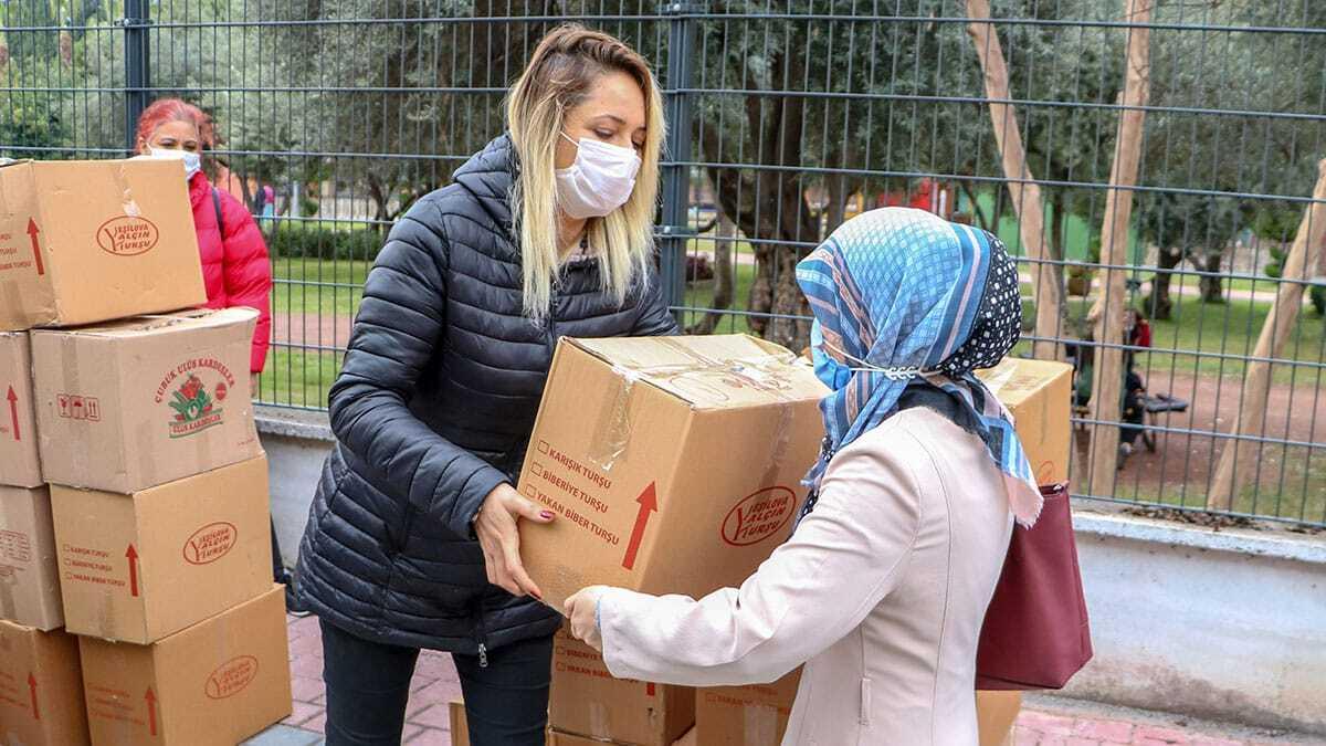 Gönüllü ordusu, binlerce ailenin umudu oldu