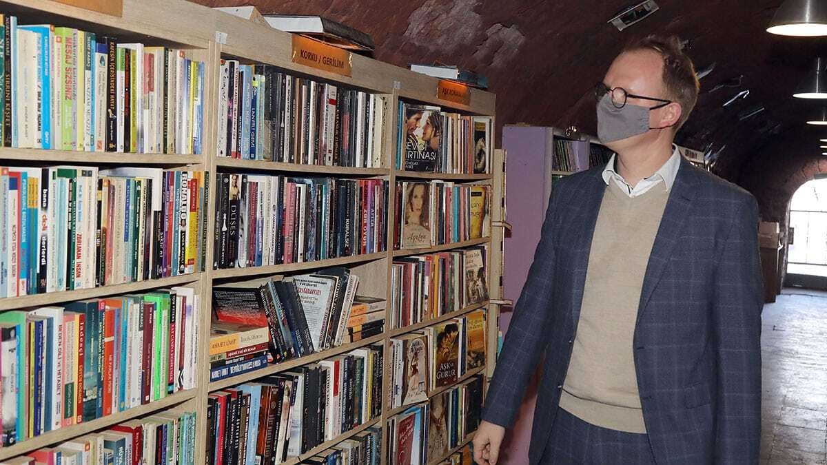 Çekyalı yazarların kitapları i̇şçi kürüphanesinde
