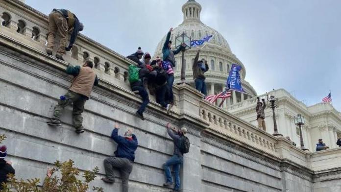 Kongre binasına zorla giren 68 kişiye gözaltı