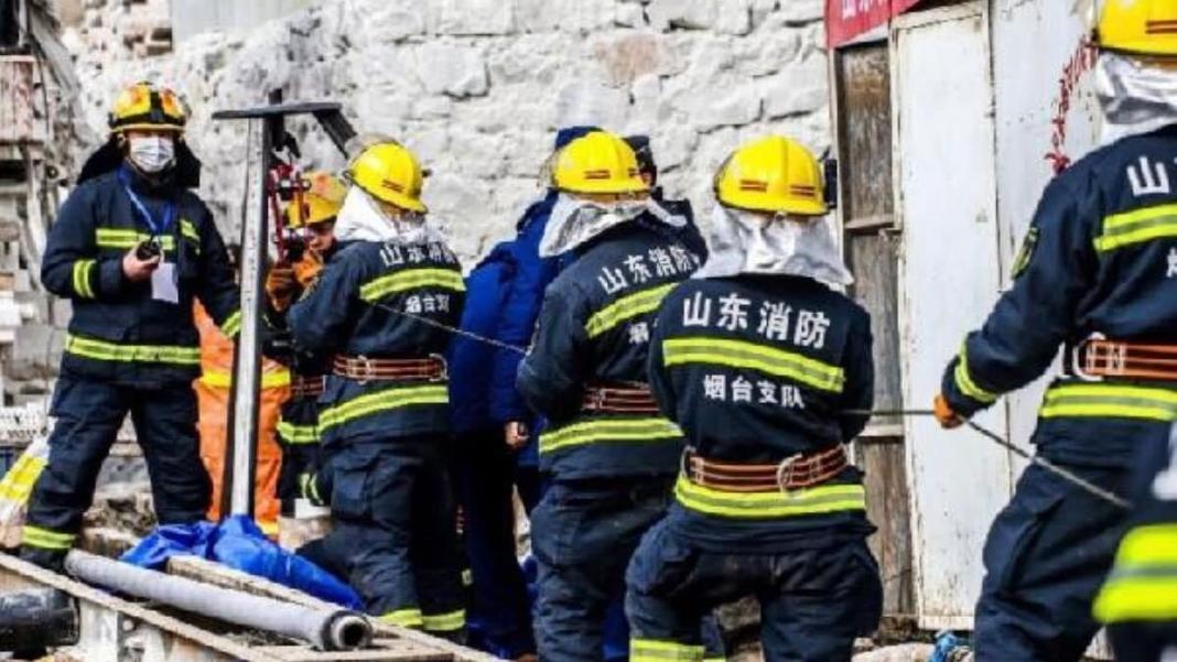 Çin'de mahsur kalan 22 madenciden 11'i kurtarıldı
