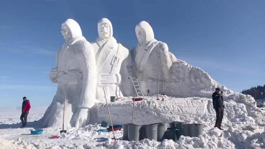 Kardan heykellerin yapımı sürüyor