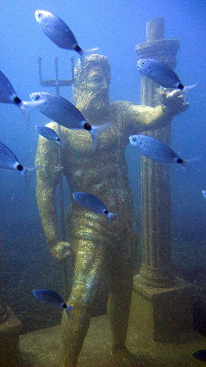 Antalya'nın manavgat ilçesinde, 115 heykelin sergilendiği side sualtı müzesi'ne, açıldığı 2015 yılından bu yana 70 bin kişi dalış yaptı.