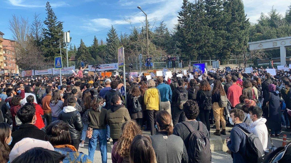 Boğaziçi'nde kabe fotoğrafı soruşturması iddianamesi
