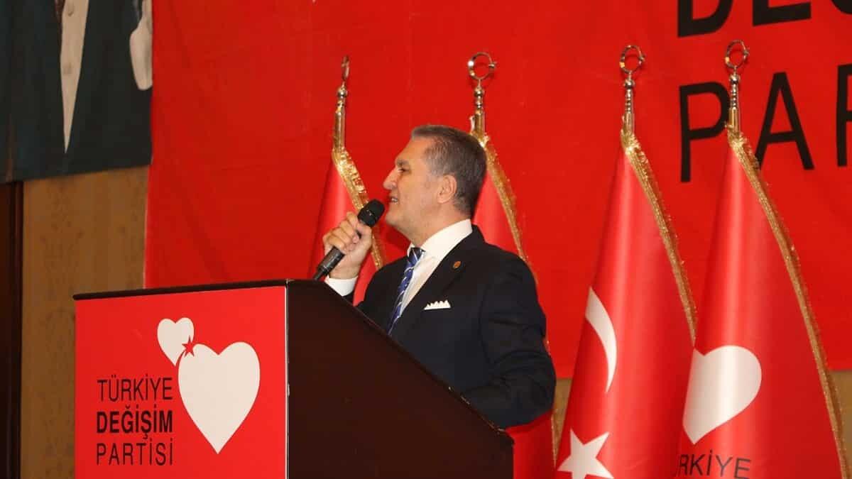 Türkiye değişim partimizin çizgisini ben bir kez daha anlatayım da duymayanlar bir kez daha duysun. Bizim çizgimiz atatürk ilkelerinden yana.
