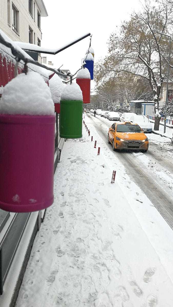 Ankara'da kar hayatı olumsuz etkiledi
