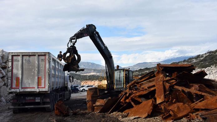 Batık gemide 1200 ton demir ekonomiye kazandırılacak