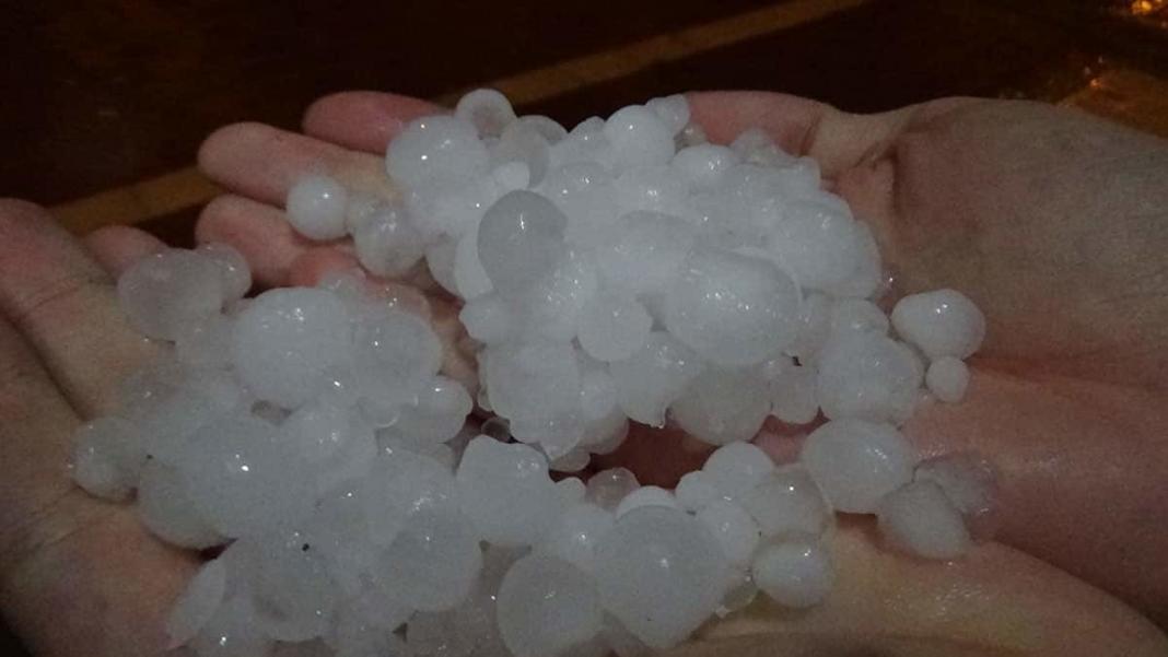 Çanakkale'de sağanak ve dolu yağışı etkili oldu