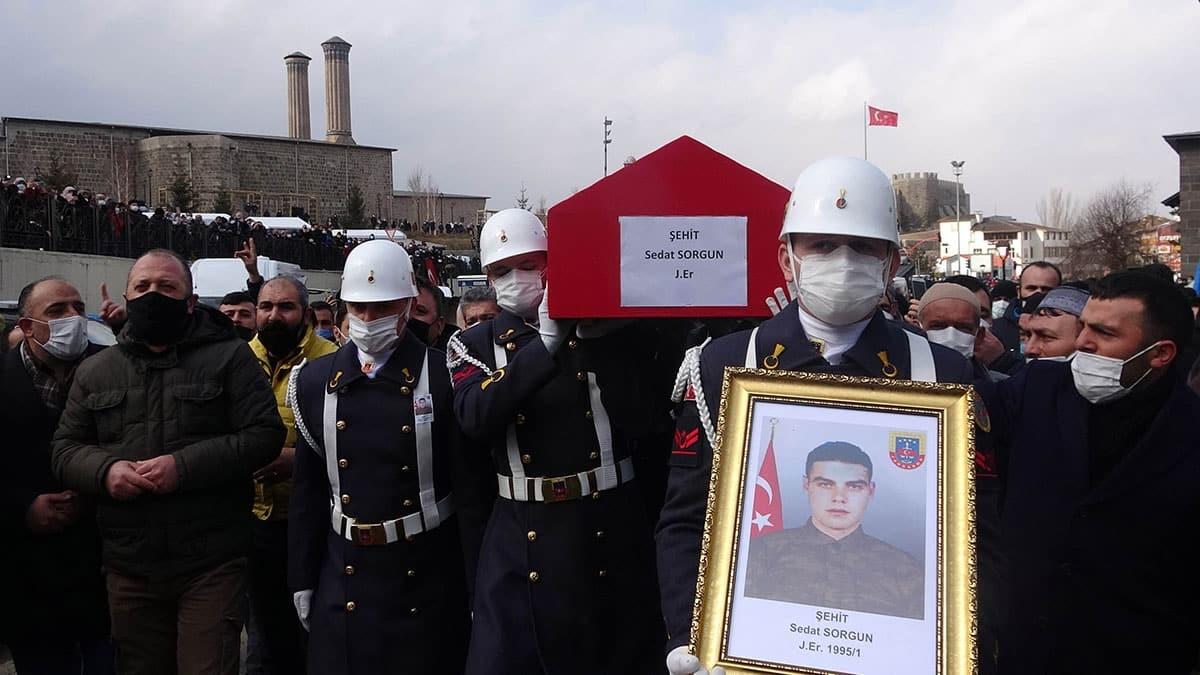 Erzurum şehidi sedat sorgun toprağa verildi