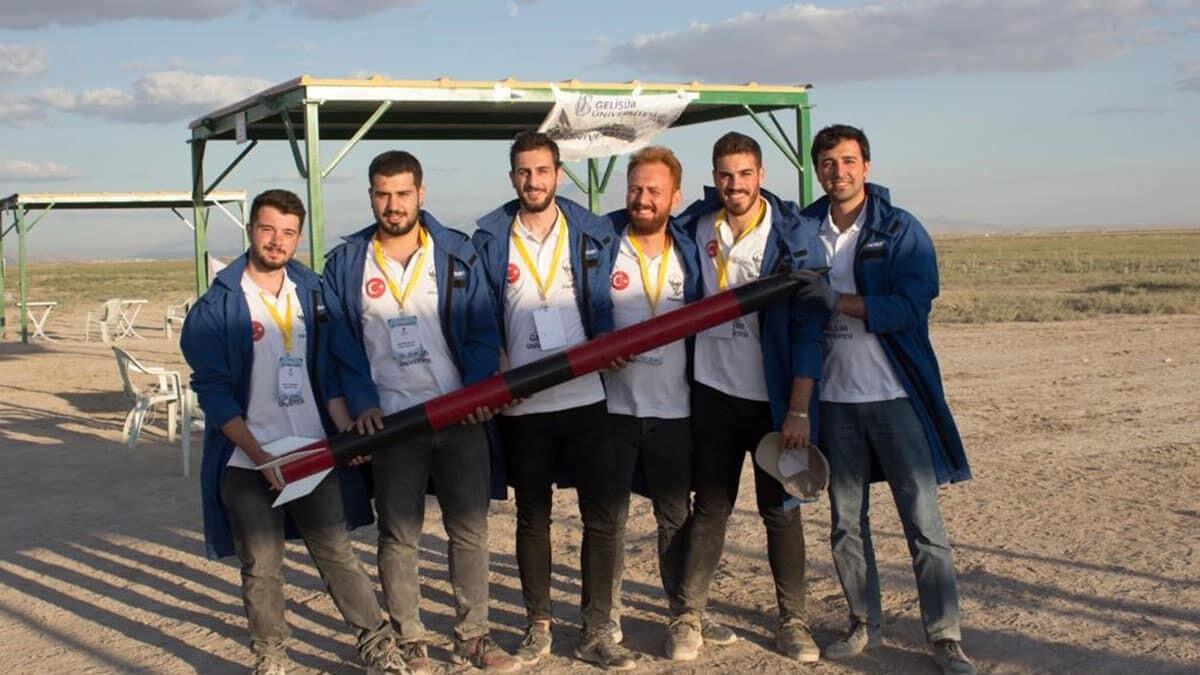 Gelişim roket takımı teknofest'te