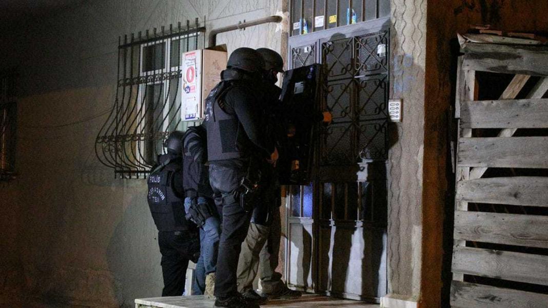 İstanbul ve diyarbakır'da pkk'ya operasyon: 21 gözaltı
