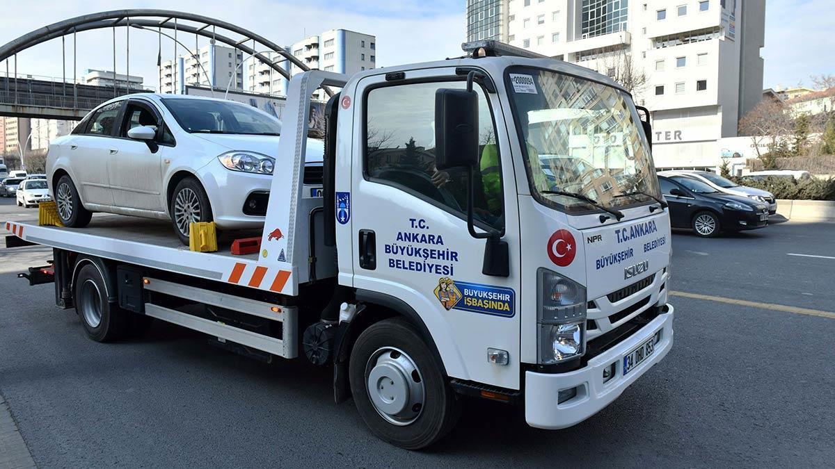 Ankara büyükşehir belediye başkanı mansur yavaş'ın başkentlilerin hayatını kolaylaştırmak ve trafiği rahatlatmak için başlattığı ücretsiz araç çekici hizmeti devam ediyor.