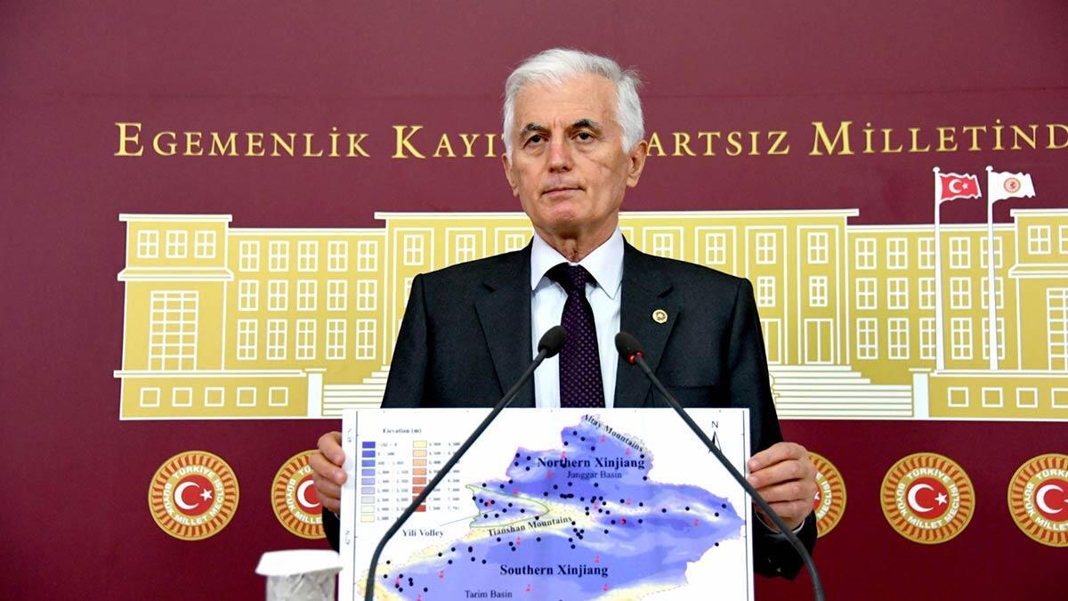 """İyi̇ parti eskişehir milletvekili dr. Arslan kabukcuoğlu, """"doğu türkistan uygur türkleri çin devleti baskısı altındadır"""" dedi."""