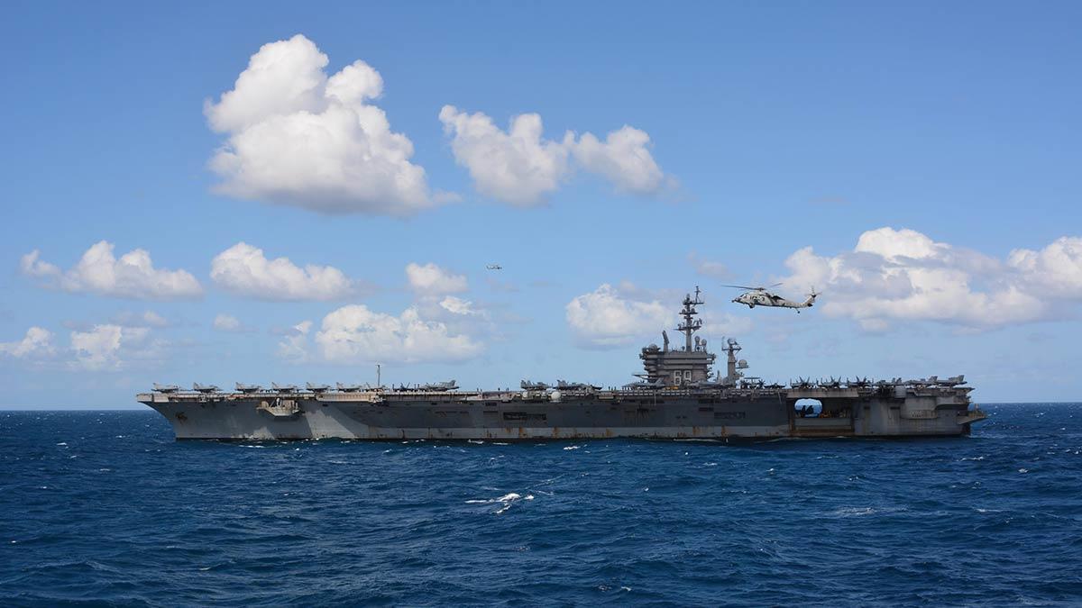 Uss dwight d. Eisenhower uçak gemisi görev grubu ile 15 mart'ta başlayan geçiş eğitimleri bugün de devam edecek