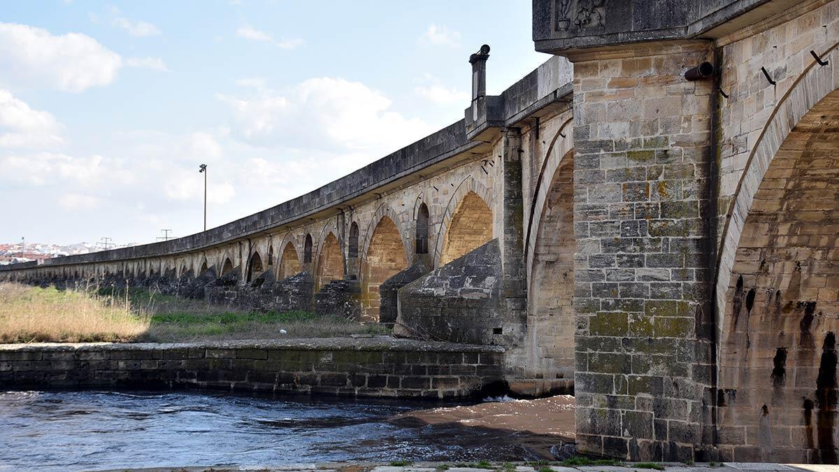 Tarihi uzunköprü'nün kaybolan ayaklarına restorasyon