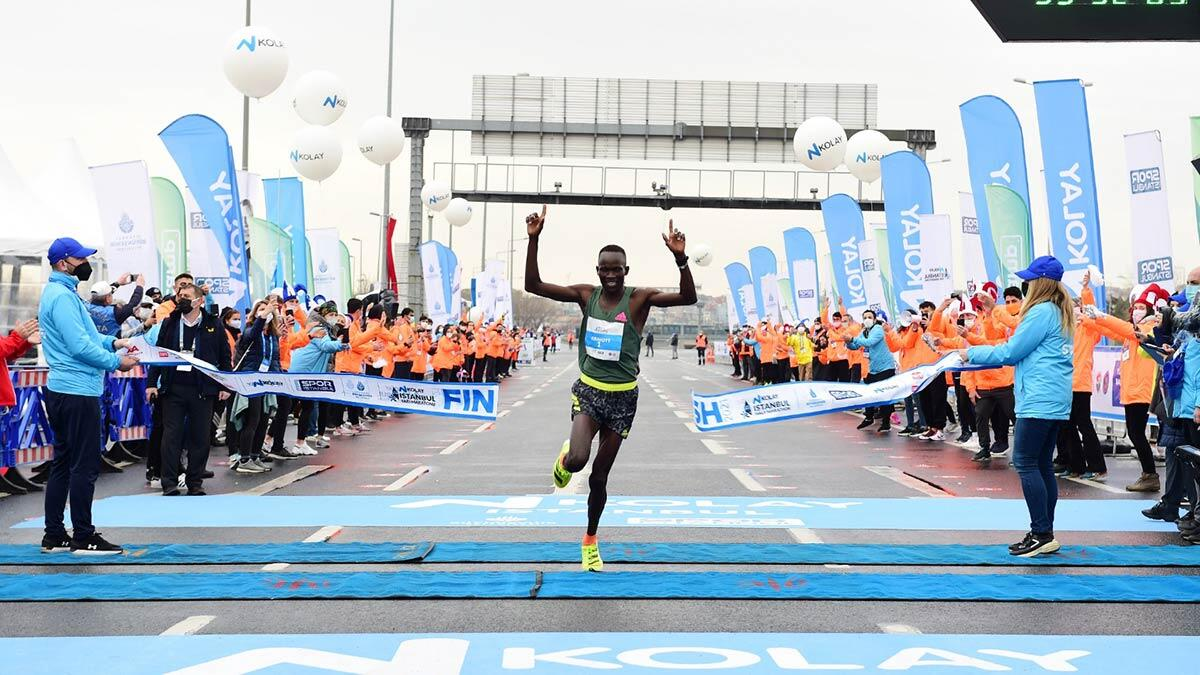 16'ncı i̇stanbul yarı maratonu'nda  dünya rekoru