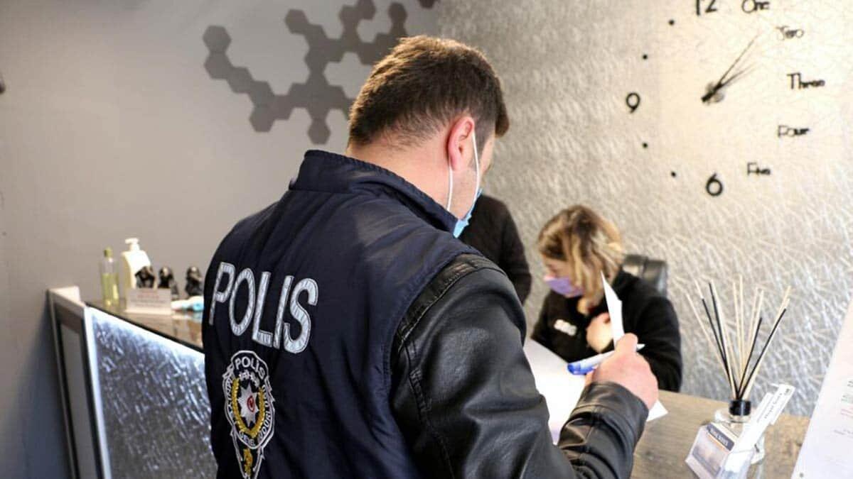 İçişleri bakanlığı, günübirlik kiralanan evler ve pandemi tedbirlerine yönelik 81 ilde uygulamada çeşitli suçlardan aranan 478 kişinin yakalandığını duyurdu.