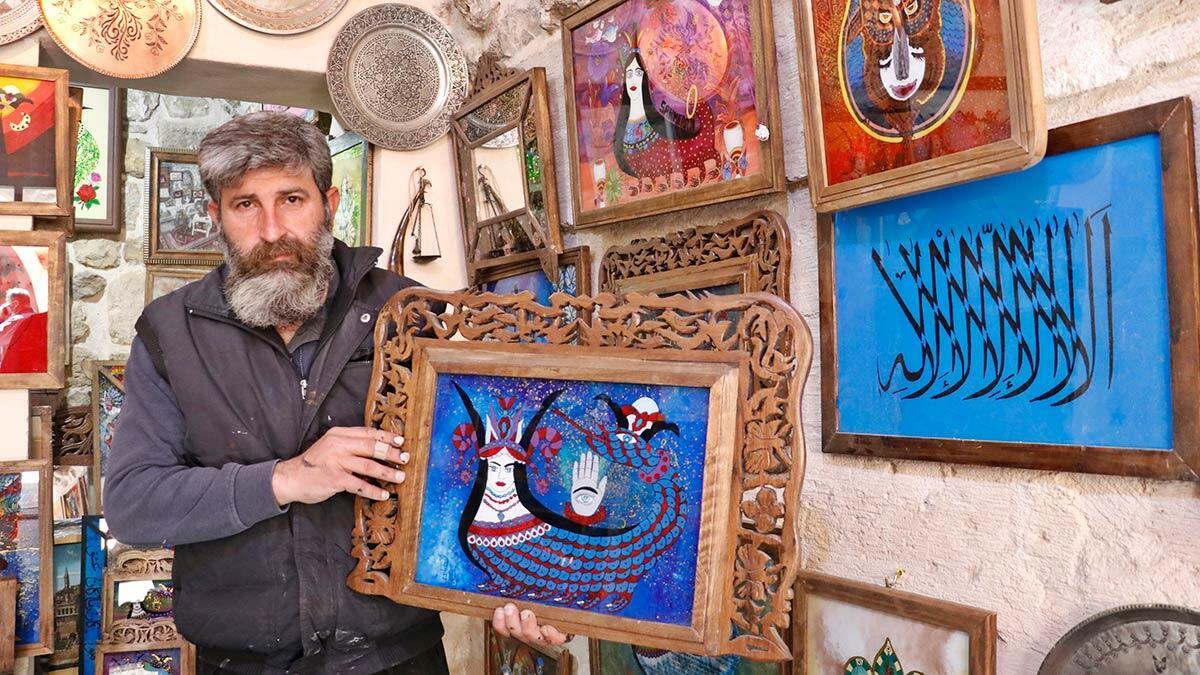 Şahmeranı cam üzerine işleyen mardinli sanatkar