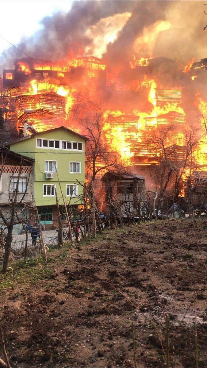 Dereiçi köyündeki yangının ilk başladığı anlar