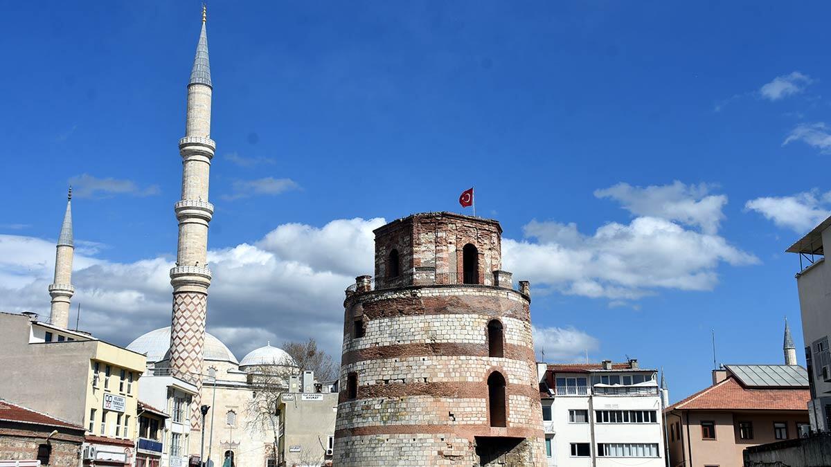 3 medeniyete şahitlik yapmış makedon kulesi müze oluyor,  yapının restorasyonu için kültür ve turizm bakanlığı'nın bu ay ihaleye çıkması bekleniyor.