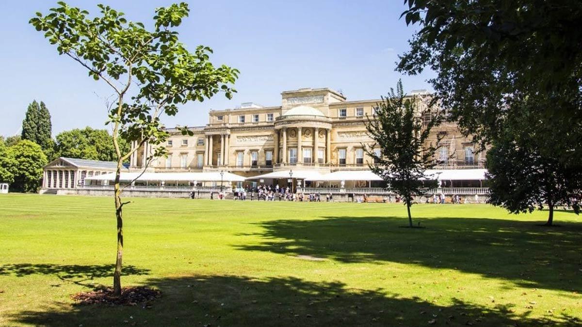 Buckingham sarayı'nın bahçesi halka açılıyor