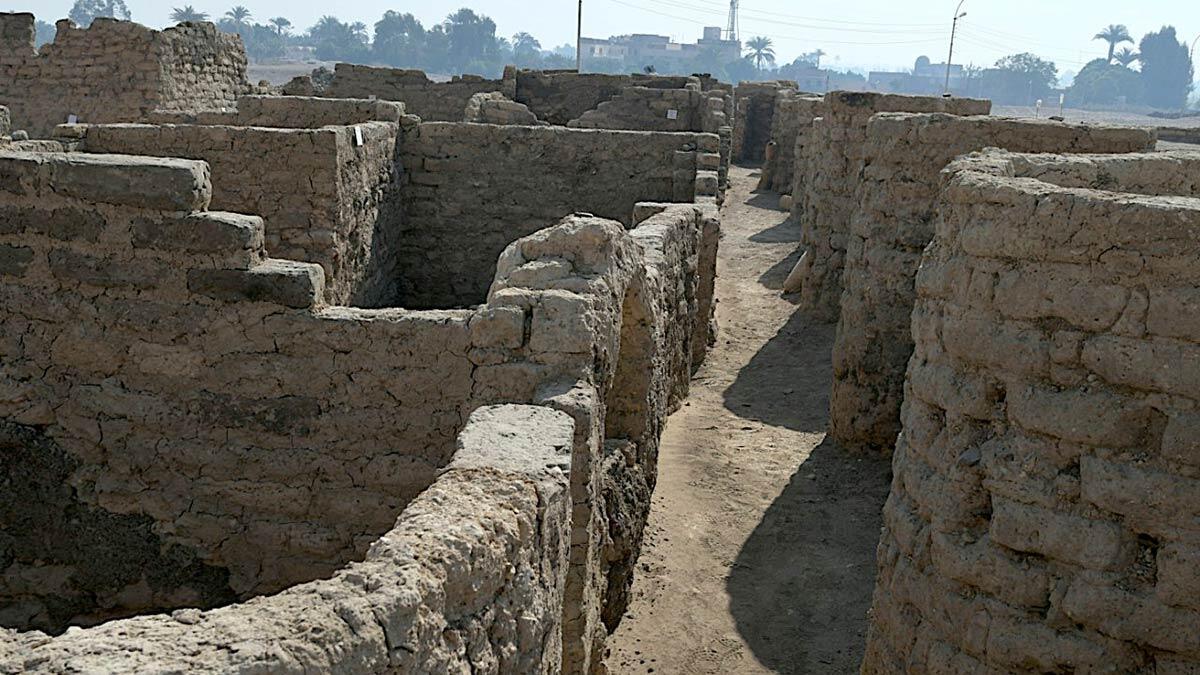 Mısır'da 3 bin yıllık kayıp altın şehir keşfedildi