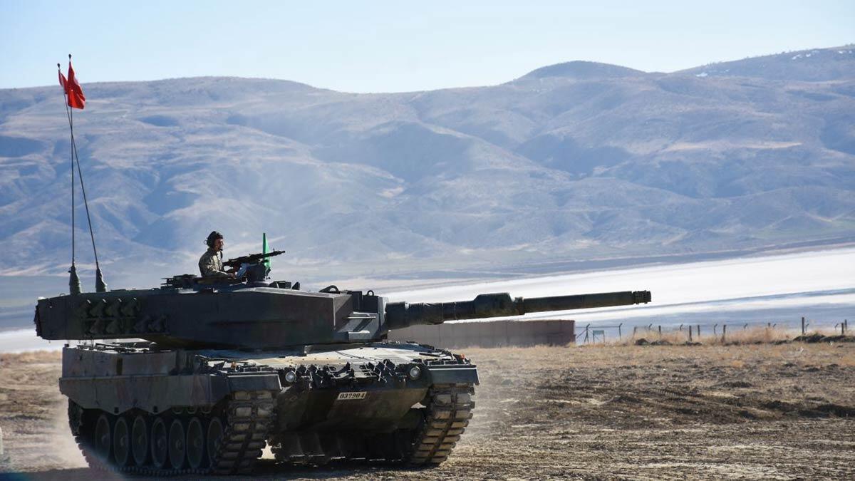 Kahraman tankçılarımız hedefleri tam isabetle vurdu