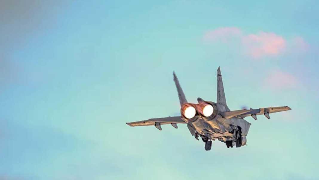 Rus avcı uçağı abd'nin keşif uçağına önleme yaptı