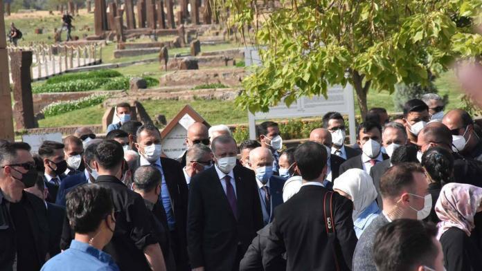 Cumhurbaşkanı ahlat'ta etkinlikleri izledi