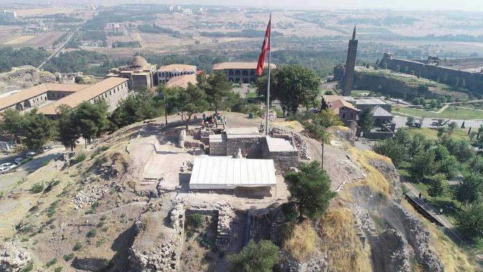 Diyarbakır'da osmanlı dönemine ait el bombaları bulundu