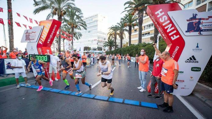 İzmir yarı maratonu'na rekor katılımcı