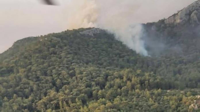 Manavgat'ta 3 ev 1 restoran tahliye edildi