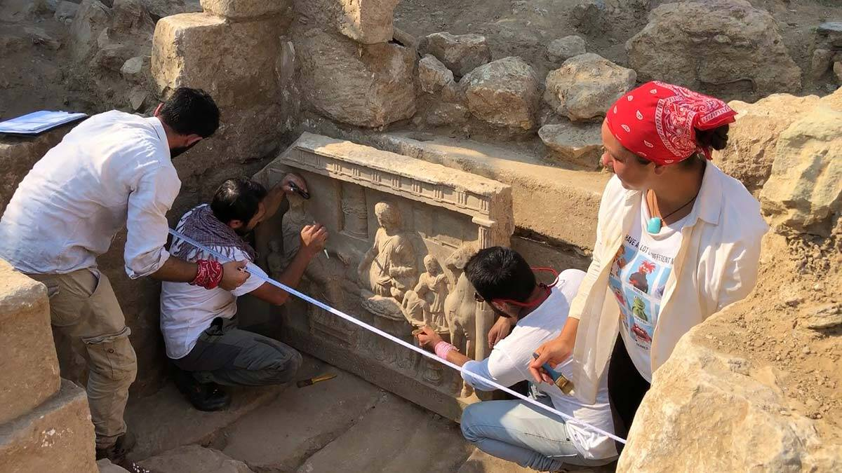Parion antik kentinde 1900 yillik mezar steli 2 - kültür ve sanat - haberton