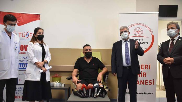Turkovac aşısının faz-3 aşamasındaki ilk dozu yapıldı