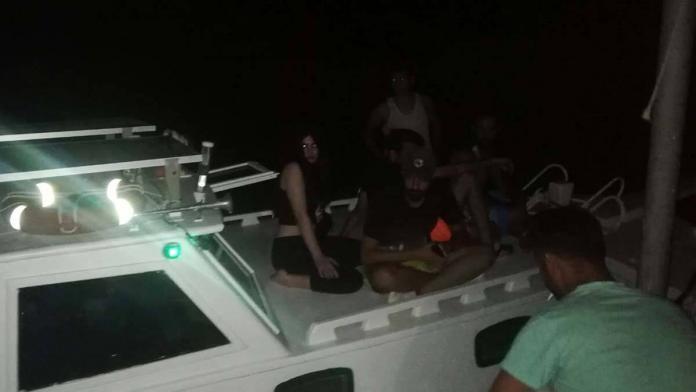 Antalya'da teknede 13 i̇ranlı kaçak göçmen yakalandı