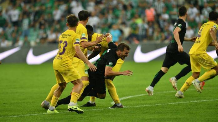 Bursaspor iç saha maçlarında etkisini kaybetti