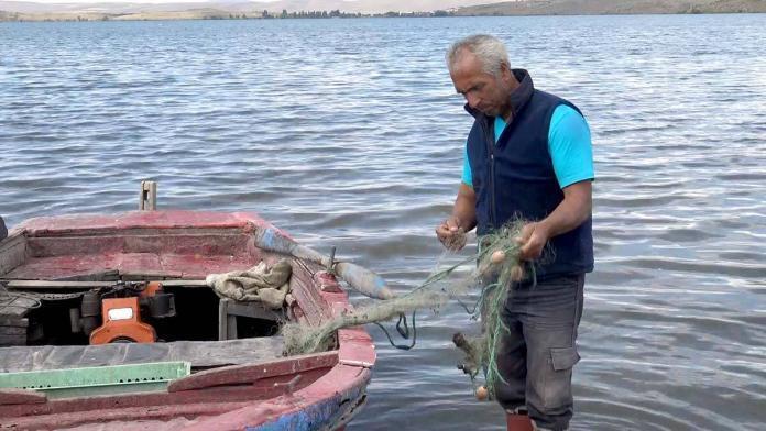 Çıldır gölü'nde balıkçılar vira bismillah dedi
