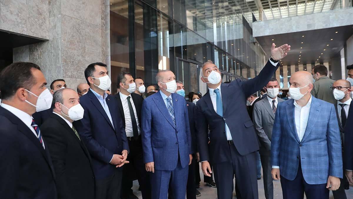 Cumhurbaskani akm insaatini ziyaret etti 3 - politika - haberton