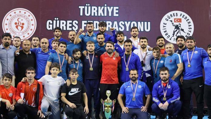 Türkiye güreş süper ligi'nde şampiyon aski̇ spor