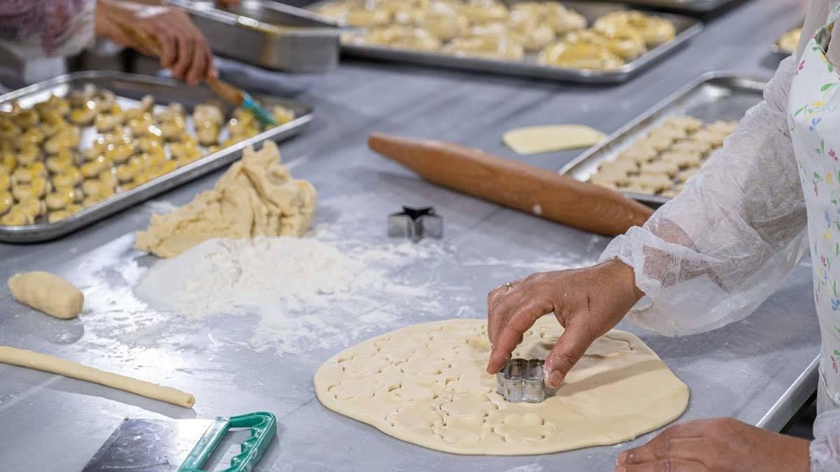 Kadın kooperatifi ilçenin ilk pastanesini açtı • Haberton
